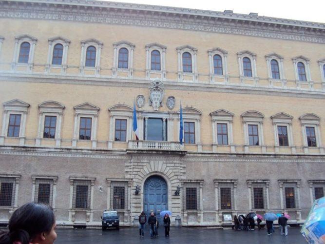 قصر فارنيزي
