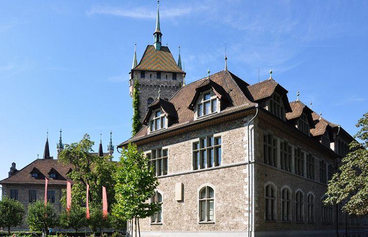 متحف سويسرا الوطني في زيوريخ