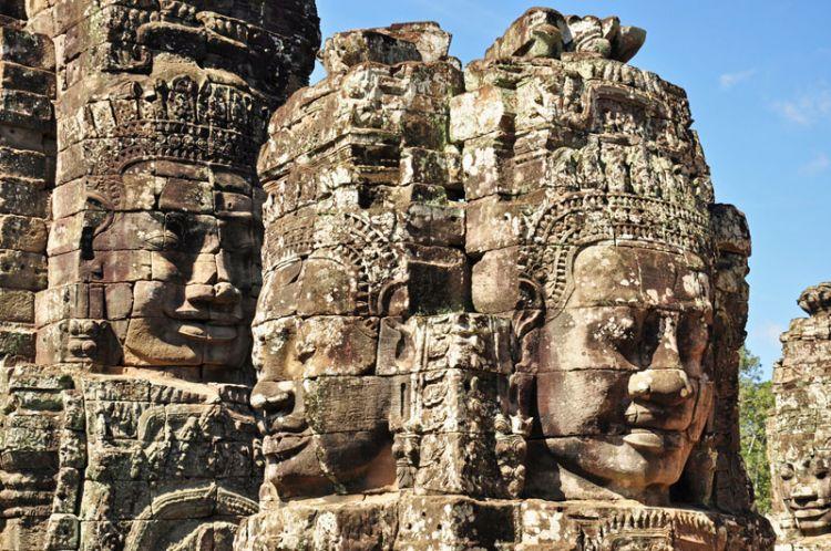 معبد بايون في كمبوديا