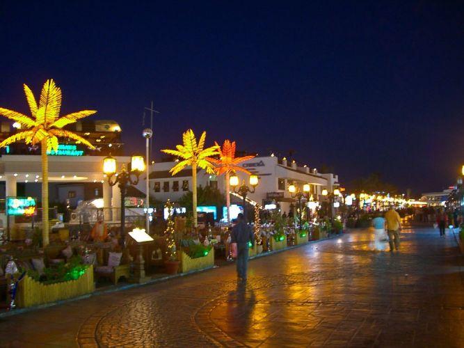 خليج نعمة ليلا