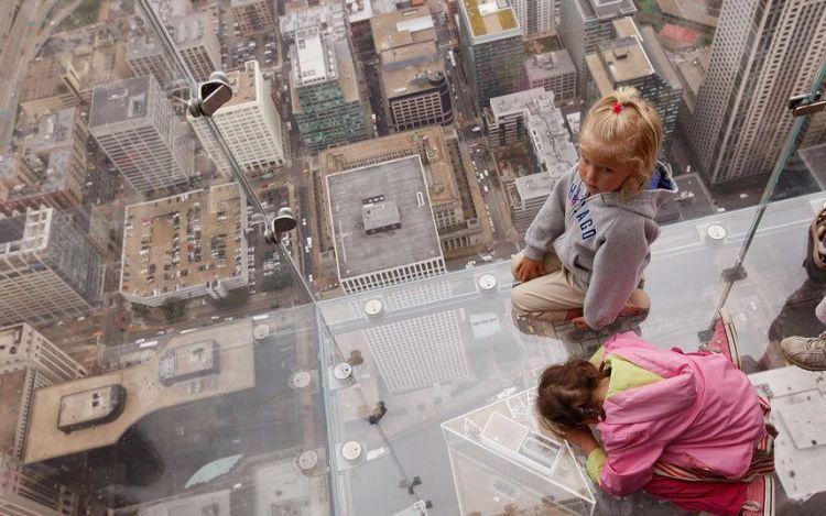 برج ويليس ناطحة سحاب يقع في مدينة شيكاغو