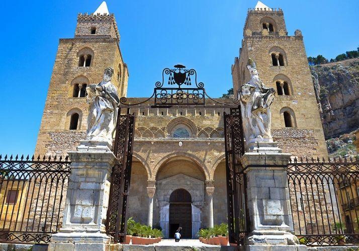 كاتدرائية سيفالو في صقلية - إيطاليا