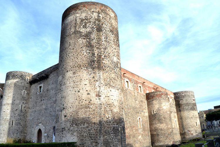قلعة أورسينوفي صقلية