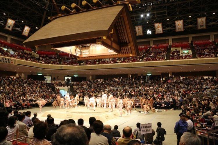 ملعب كوكو غيكان للسومو في طوكيو - اليابان
