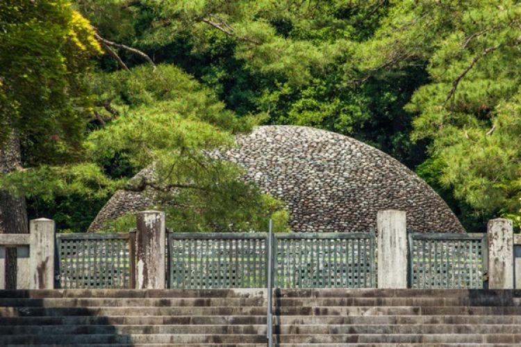مقبرة موساشي الامبراطورية