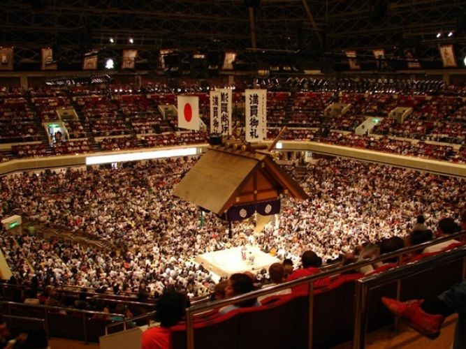 ملعب كوكو غيكان للسومو في طوكيو