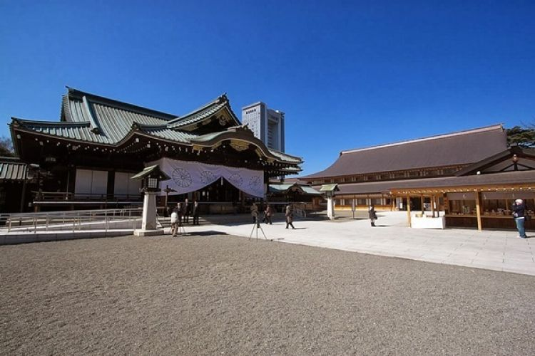 ضريح ياسوكوني - Yasukuni Shrine
