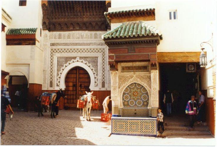 فندق وسقاية النجارين في فاس