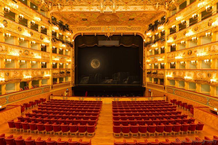 مسرح لافينيس في فينيسيا