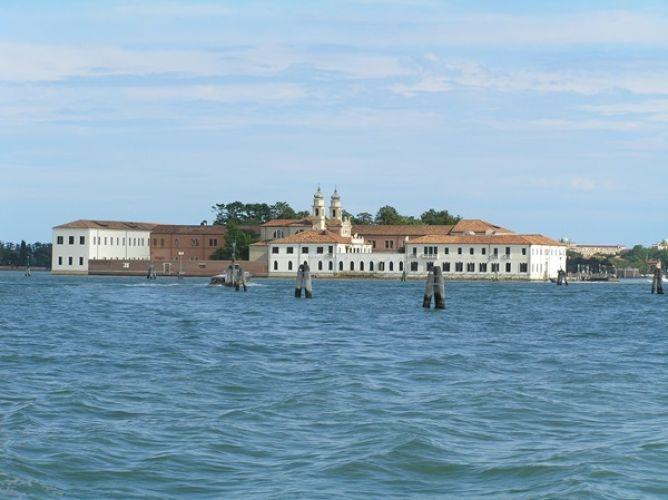 جزيرة سان سيرفولو في فينيسيا