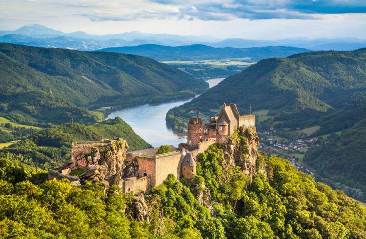 نهر الدانوب القديم في النمسا