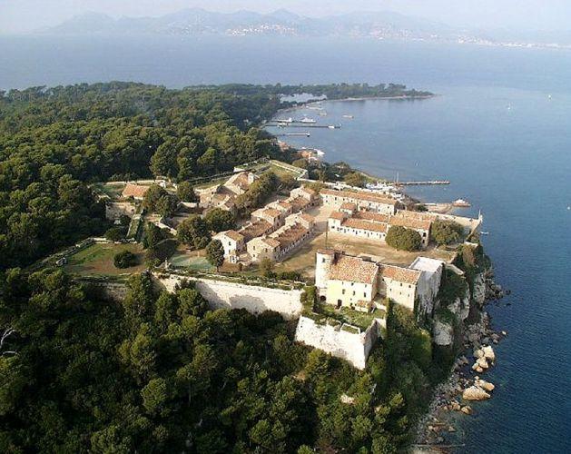 جزيرة سانت ماركوريت في كان - فرنسا