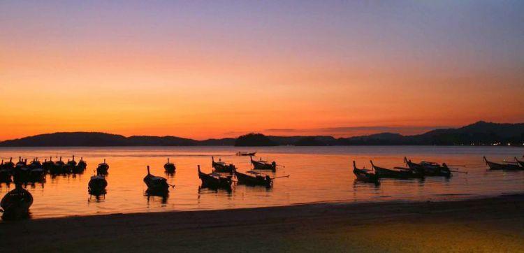 شاطئ اونانغ أحد الشواطئ الاكثر جمالا