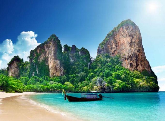 شاطئ بودا من الموقع المميزة التي يفضلها ويقصدها السياح