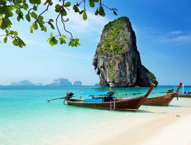 شاطئ رايلي احد اكثر الشواطئ شعبية