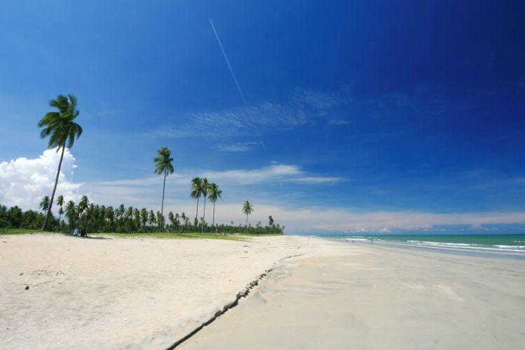 Pantai Bisikan Bayu Beach