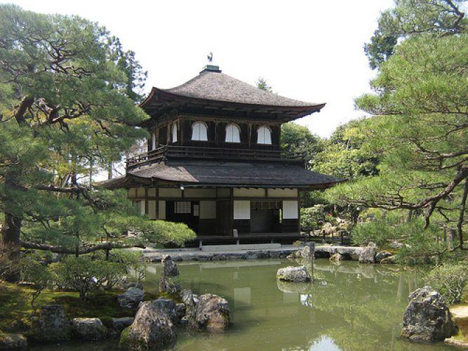 كينكاكو-جي في كيوتو - اليابان