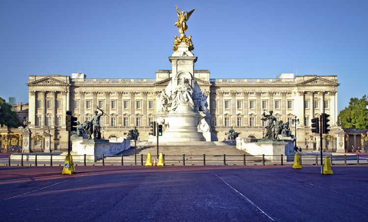 قصر باكنغهام المملكة المتحدة