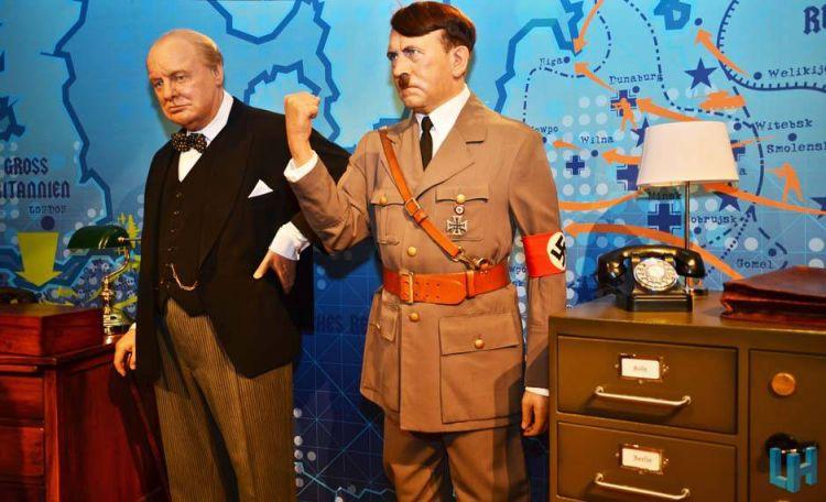 هتلر في متحف الشمع مدام توسو
