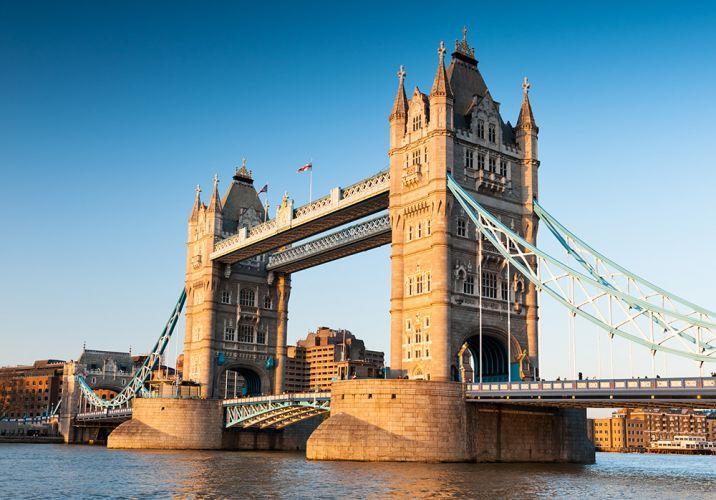 جسر البرج في لندن - المملكة المتحدة