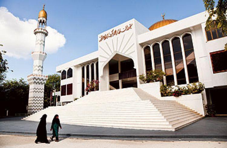 مسجد السلطان محمد ثاكوروفانو العزام في ماليه - جزر المالديف
