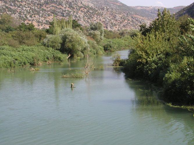 نهر العاصي في بقاع لبنان
