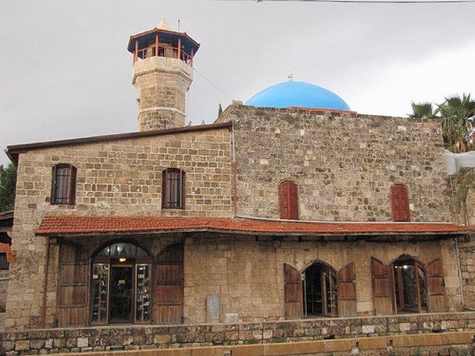 مسجد السلطان عبد المجيد في جبيل