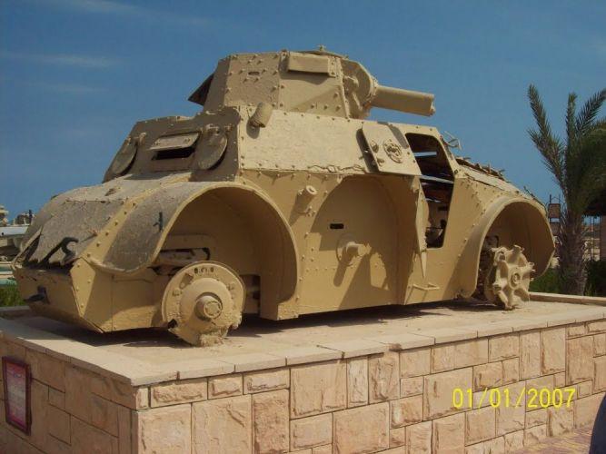 دبابة من معروضات المتحف في مطروح - مصر