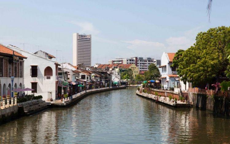 رحلات في نهر مالاكا - ماليزيا