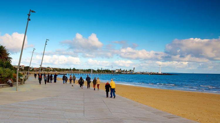 شاطئ سانت كيلدا، الشاطئ الذي يقع في سانت كيلدا