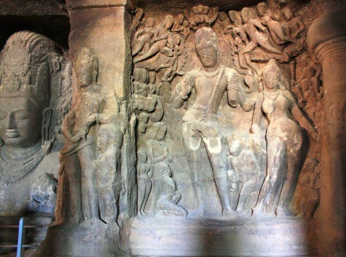 الكنوز التاريخية و التحف الأثرية و الفنية