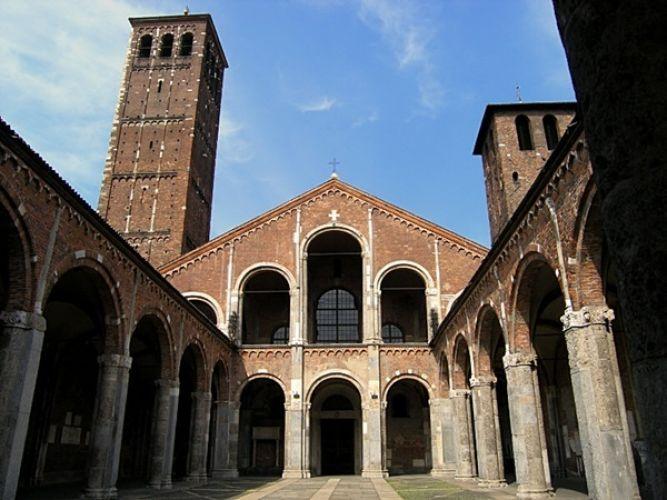 كنيسة سانت امبروجيو في ميلانو