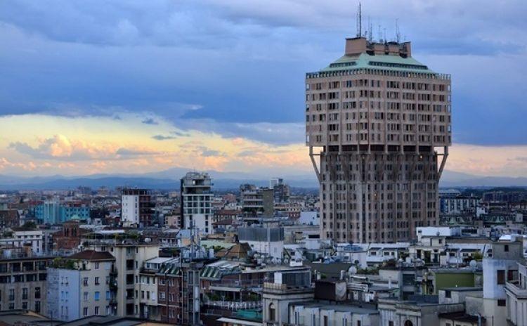 برج فيلاسكا في ميلانو