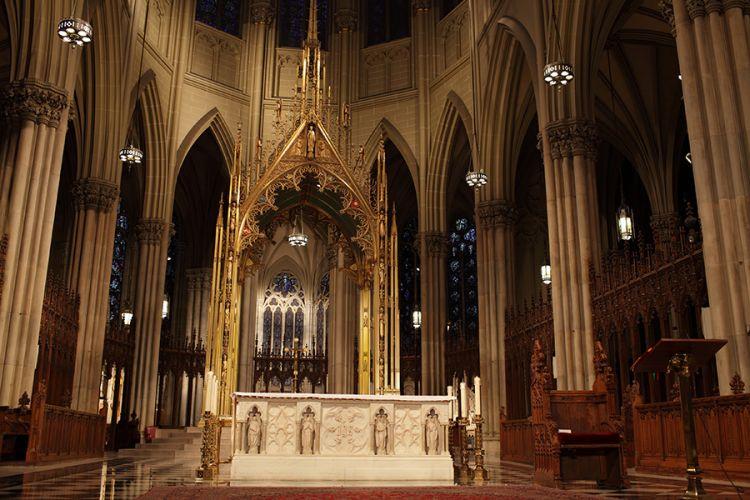 داخل كاتدرائية سانت باتريك نيويورك