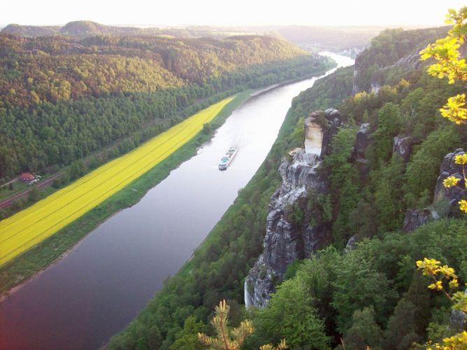 نهر الإلبهفي ألمانيا