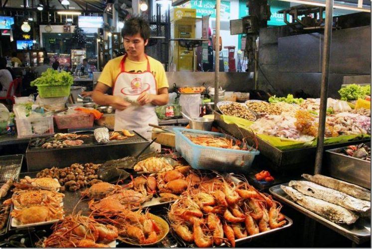السوق الليلي في هواهين - تايلاند