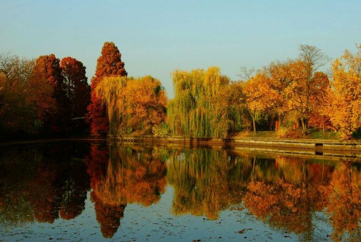 حديقة هيريستراو في بوخارست - رومانيا