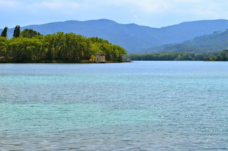 بحيرة بانيوليس في جيرونا