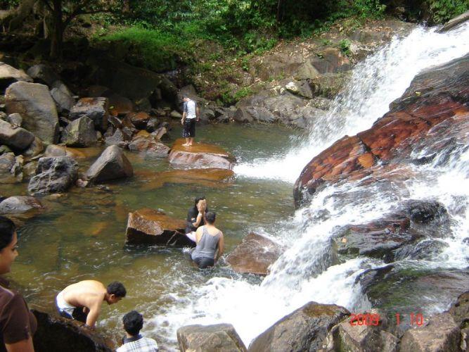 شلالات كوتا تينجي بماليزيا