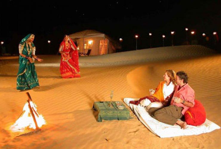 الحياة الليلية والانشطة التي يمكن القيام بها عند السفر الي المدينة الهند