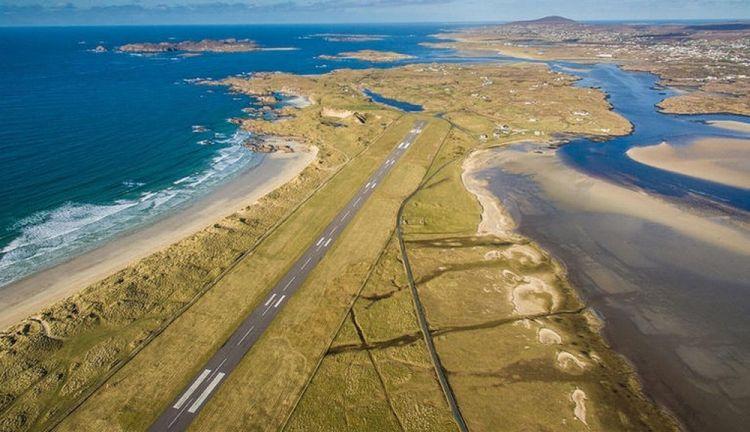 مطار دونيجال في أيرلندا