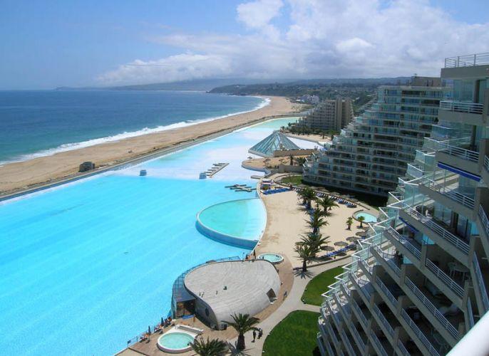 أكبر مسبح في العالم في تشيلي