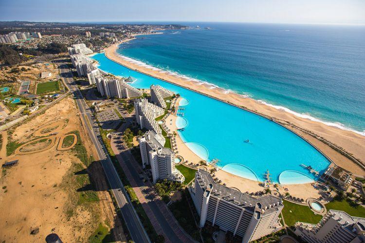 أكبر حوض سباحة في العالم
