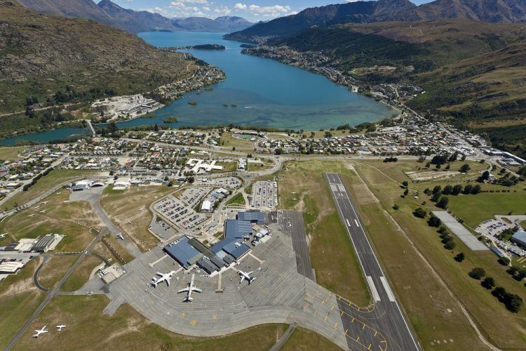 مطار كوينزتاون في نيوزلندا