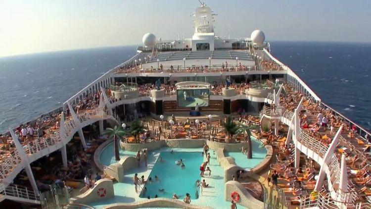 السفينة السياحية الذكية