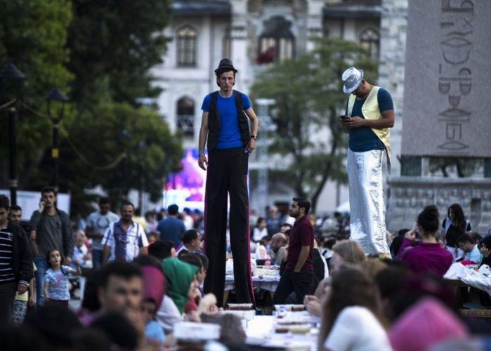 فعاليات ترفيهية فى ساحة مسجد السلطان أحمد