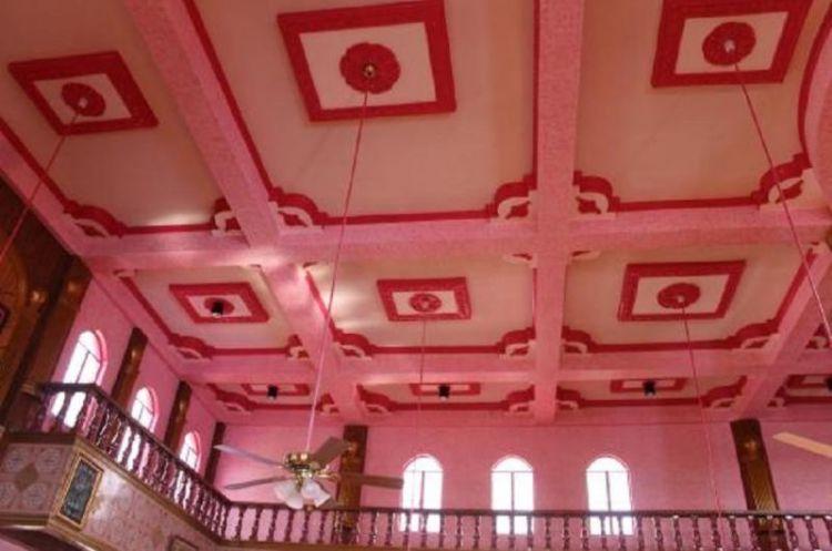 تصميمات المسجد الوردي من الداخل