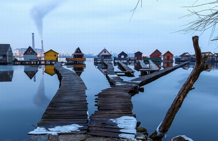 القرية العائمة