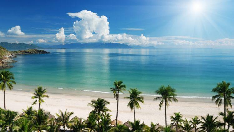 ساحل كوستا ديل سول الإسباني