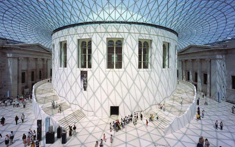 القاعة الكبرى بالمتحف البريطاني